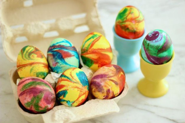 DIY Swirled Easter Eggs