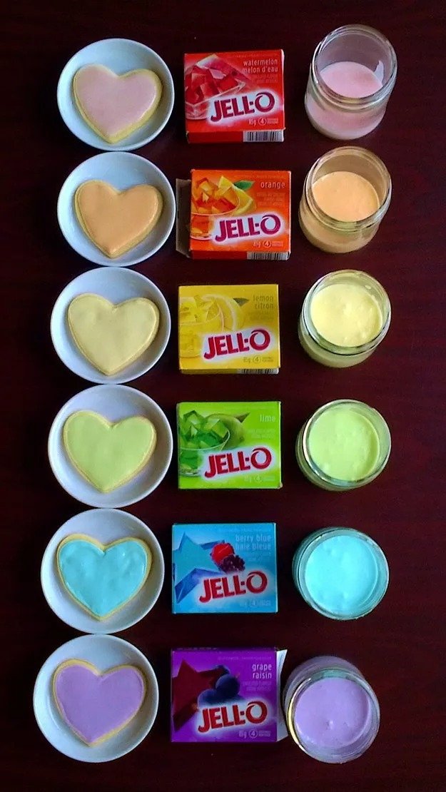If you don't have food coloring, you can use Jell-O to color frosting