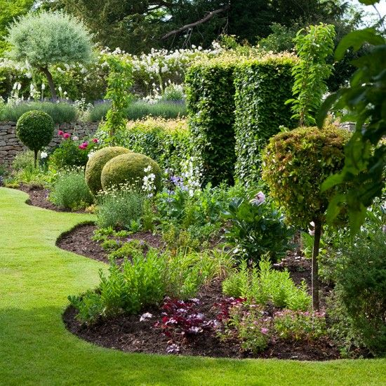 Simple Curved Garden Edging