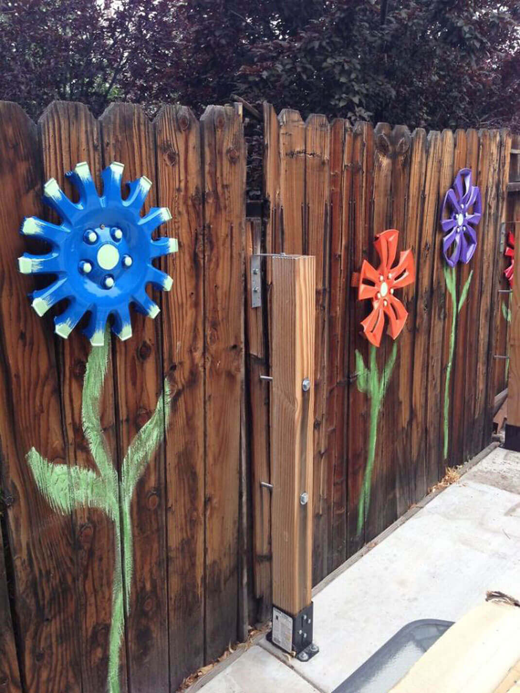 Cute Flowers made of Car Hubcaps