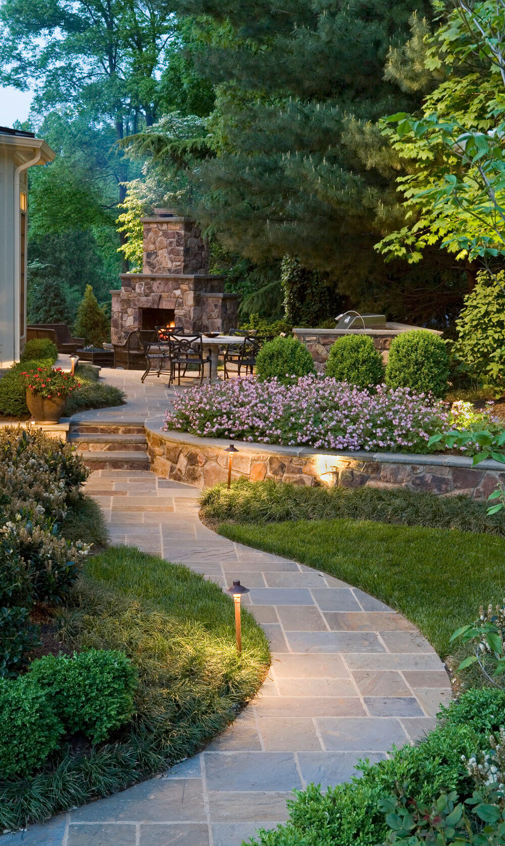 Pair Regular Angles With A Winding Walkway