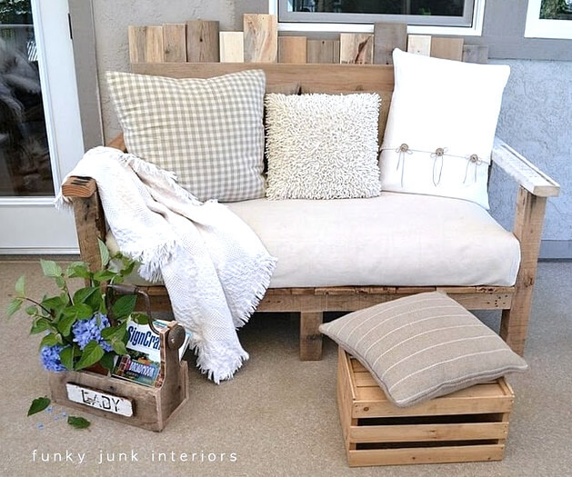 DIY Outdoor Furniture Projects: Garden Cubicle Wooden Block Chair