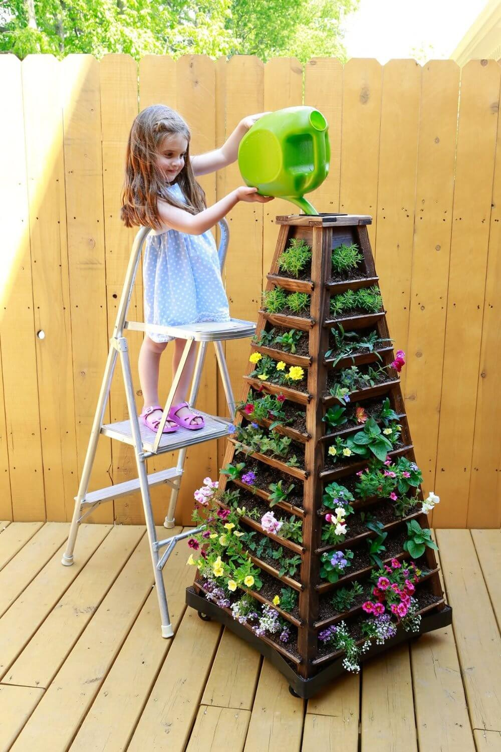 DIY Flower Towers Ideas: Classic Flower Tower to Maximize Space