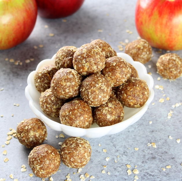Apple Crisp Energy Bites