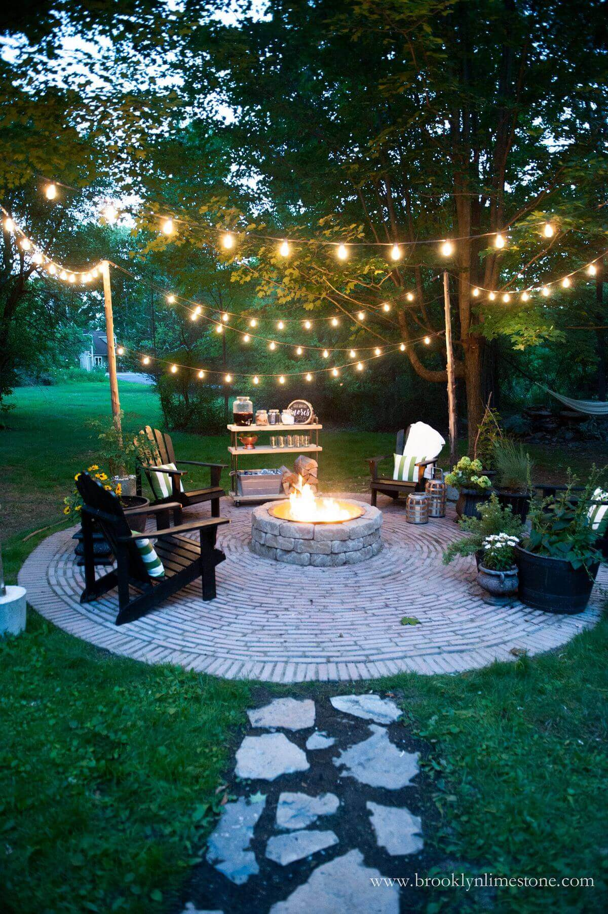 Round Firepit Area Idea for Nighttime   Awesome Firepit Area Ideas For Your Outdoor Activities