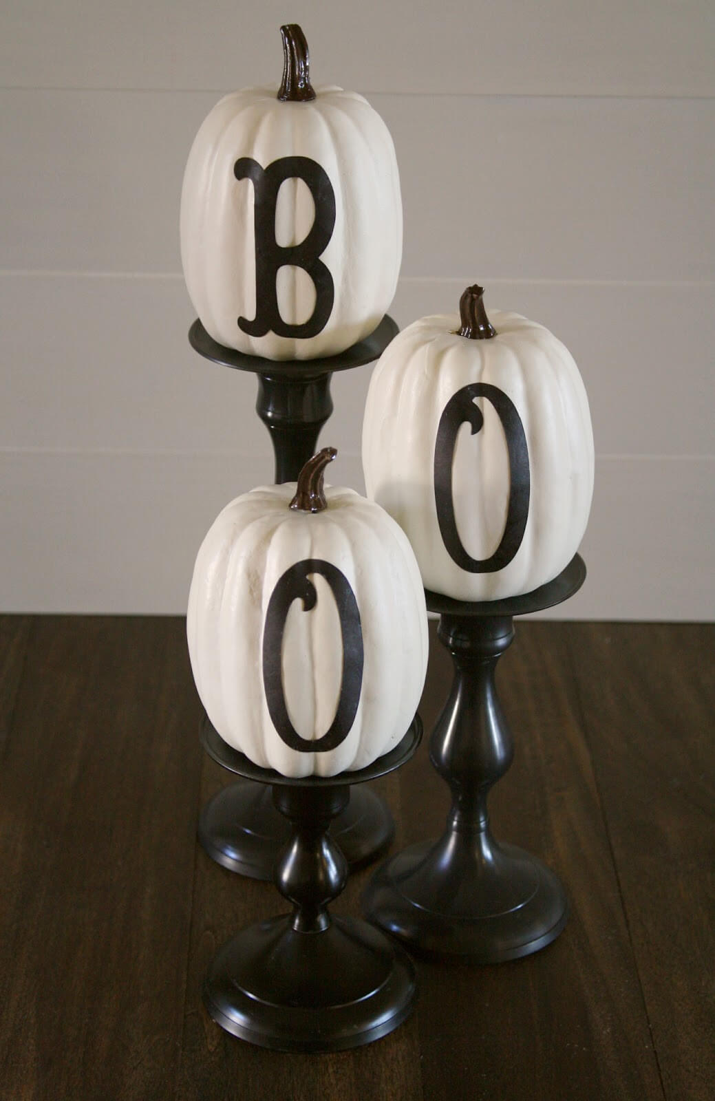 Stylish Letters Sweeten Pumpkins | DIY Indoor Halloween Decorating Ideas