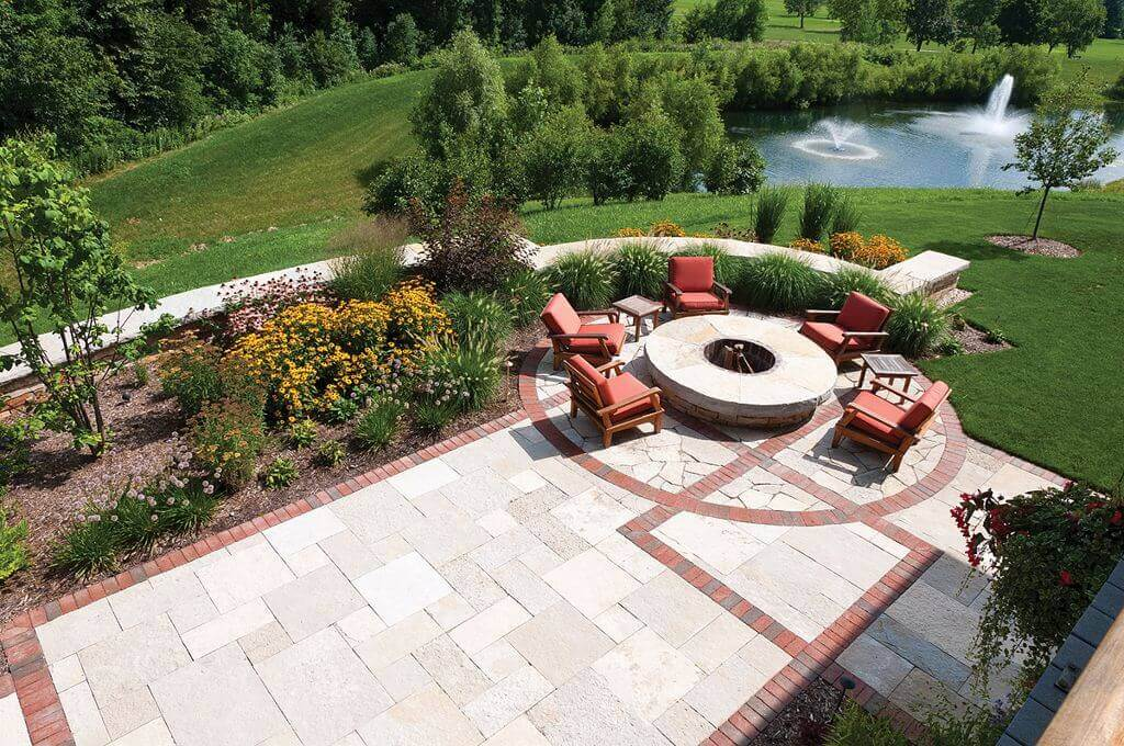 Comfort and Warmth Overlooking a Breathtaking Lake   Awesome Firepit Area Ideas For Your Outdoor Activities
