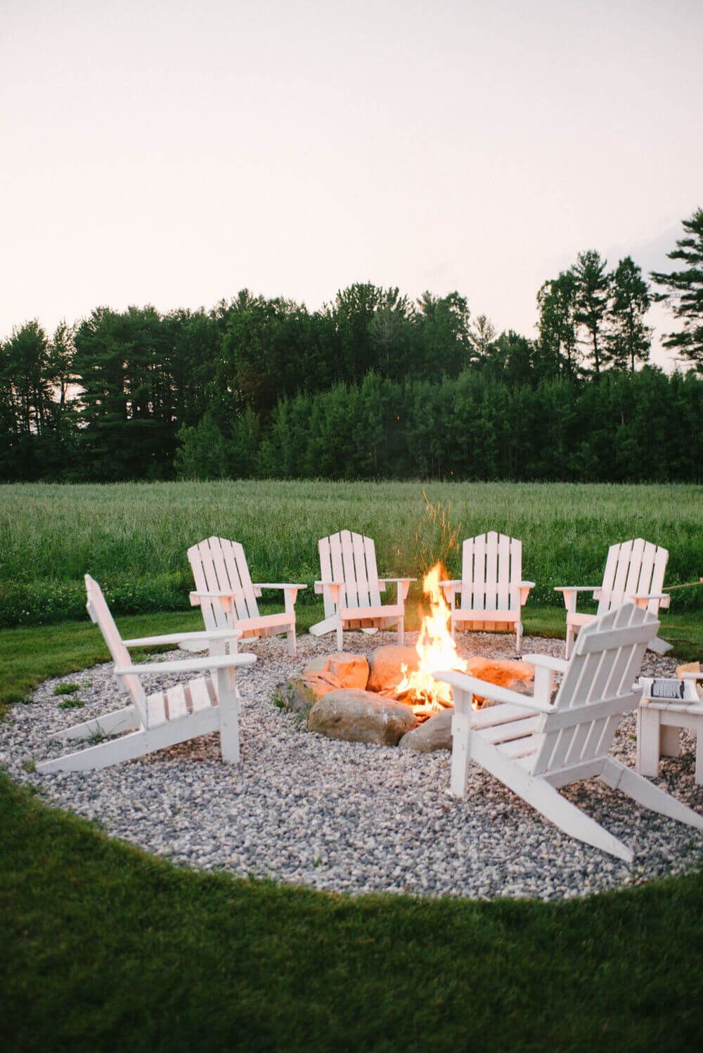 An Enjoyable Sunset by the Fire   Awesome Firepit Area Ideas For Your Outdoor Activities