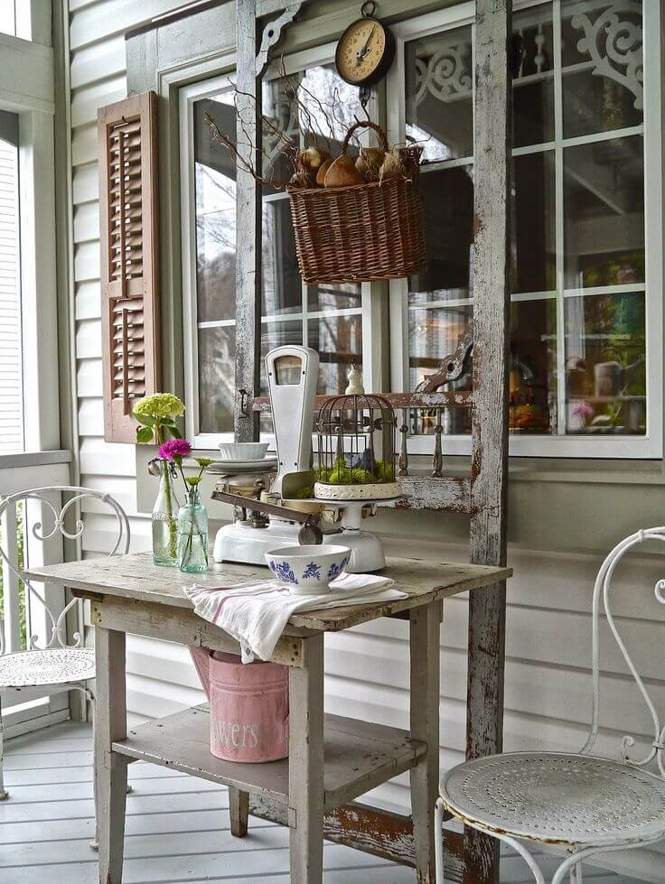 Distressed Outdoor Country Store Display   Vintage Porch Decor Ideas