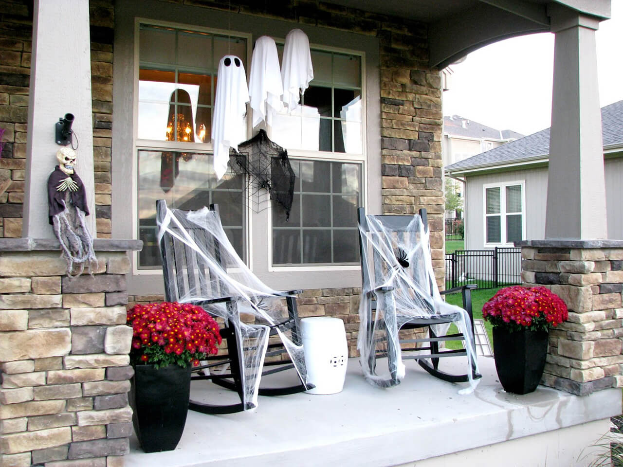 A Black and White Halloween | Scary DIY Halloween Porch Decoration Ideas | vintage halloween porch