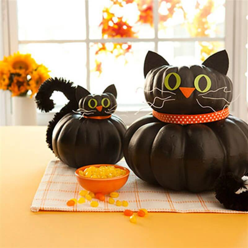 Cat-Shaped Pumpkin Merges Tradition | DIY Indoor Halloween Decorating Ideas