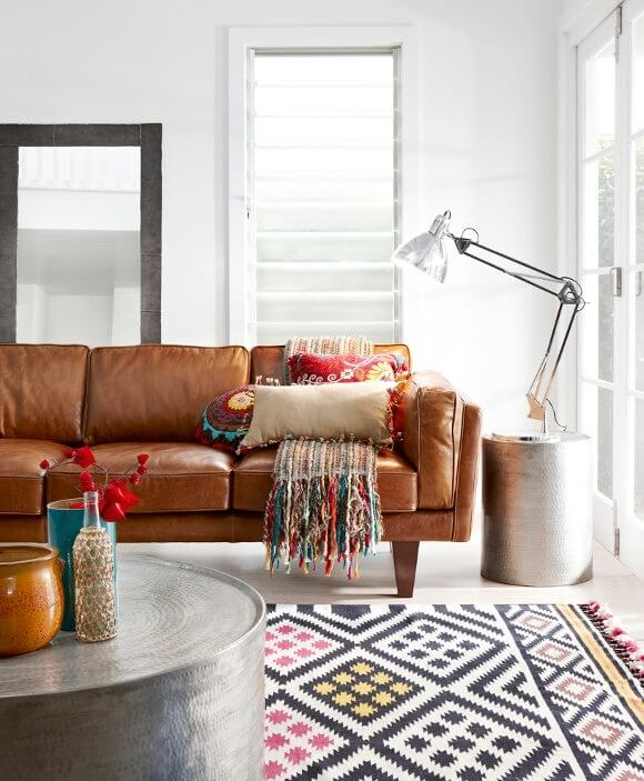 Distressed Leather Bohemian Living Room Design | Bohemian Chic Interior Design Ideas | FarmFoodFamily.com