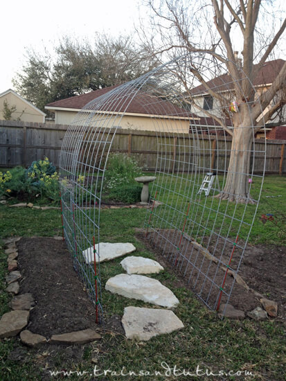 Pea And Cucumber Trellis Ideas | Up-cycled Trellis Ideas For Garden