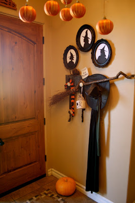 Entryway of the witch's lair | Spooky DIY Halloween Entrance (Entryway) Ideas | FarmFoodFamily