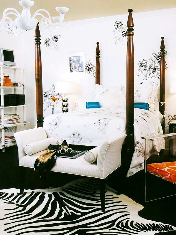 Black & White teenage girl rooms   Decorating Teen Bedrooms: Transforming a Child's Room with Teenage Décor - FarmFoodFamily.com
