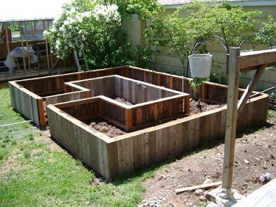 Raised Bed with amenities | How to Build a Raised Vegetable Garden Bed | 39+ Simple & Cheap Raised Vegetable Garden Bed Ideas - farmfoodfamily.com