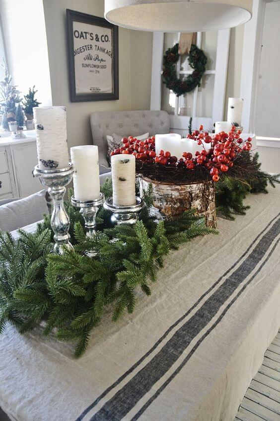 Cozy Rustic Christmas Dining Room | Best Elegant Christmas Centerpieces & Designs | Farmfoodfamily.com