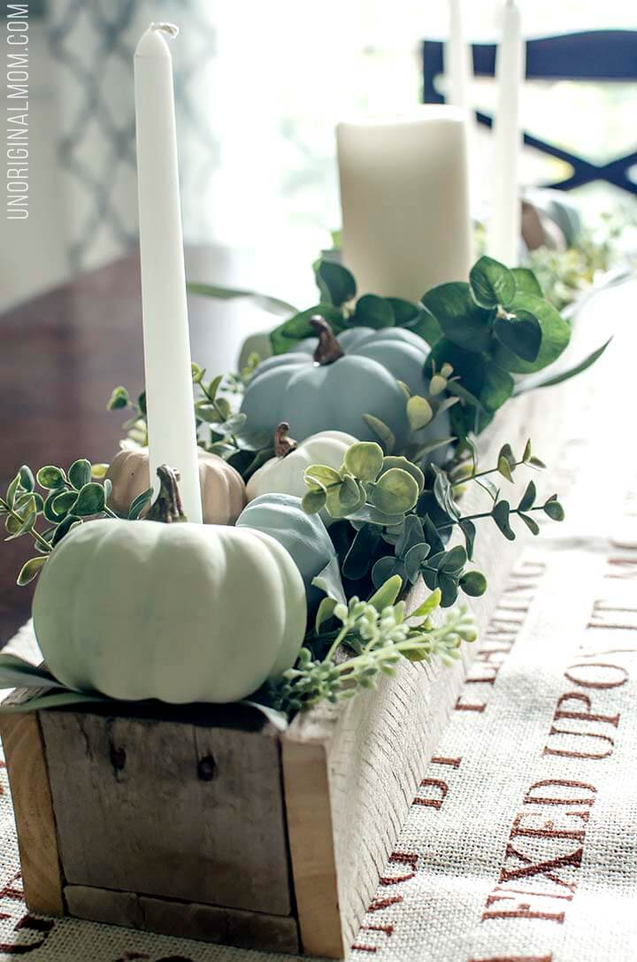 Fall centerpiece with chalk painted pumpkins | No-Carve Pumpkin Decorating Ideas For This Halloween