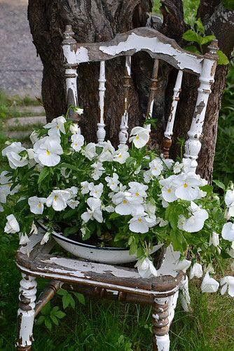 Flower planter chair   Creative Upcycled DIY Chair Planter Ideas For Your Garden