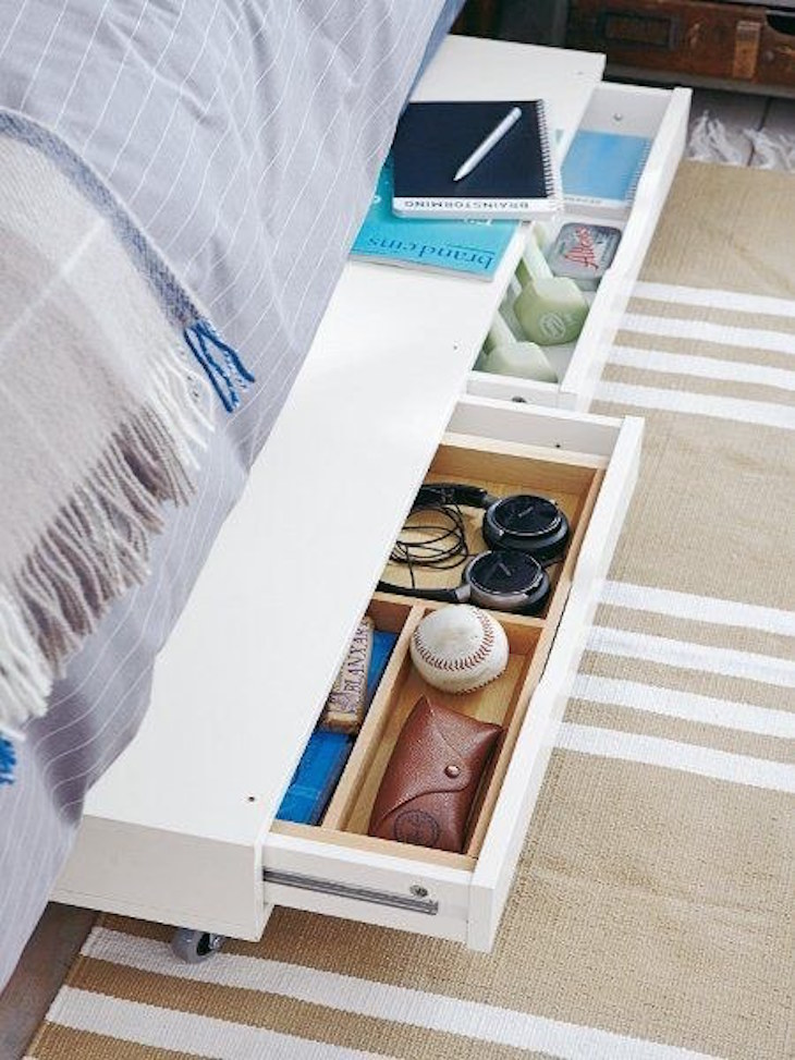 Drawer under the bed to store things