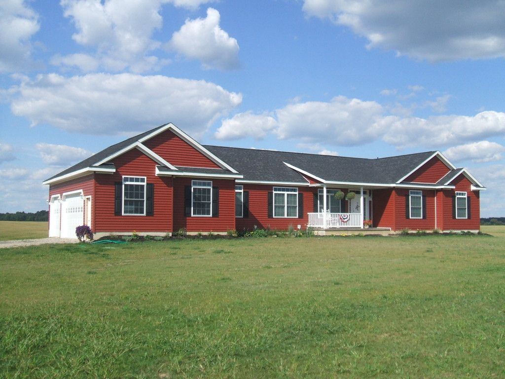 Traditional ranch exterior barn red