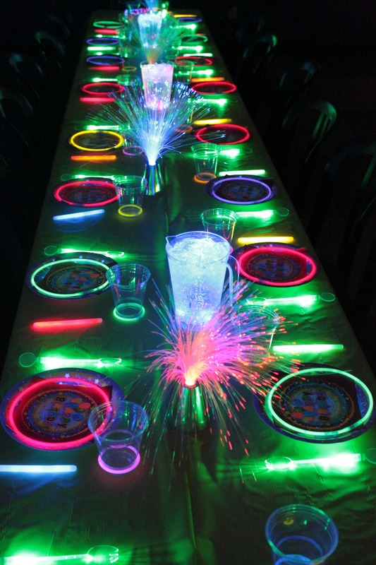 Hosting a nighttime dinner party