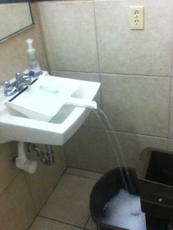 Use dustpan to extend the faucet