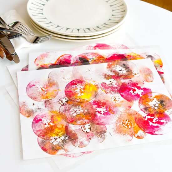 Colorful apple print placemats