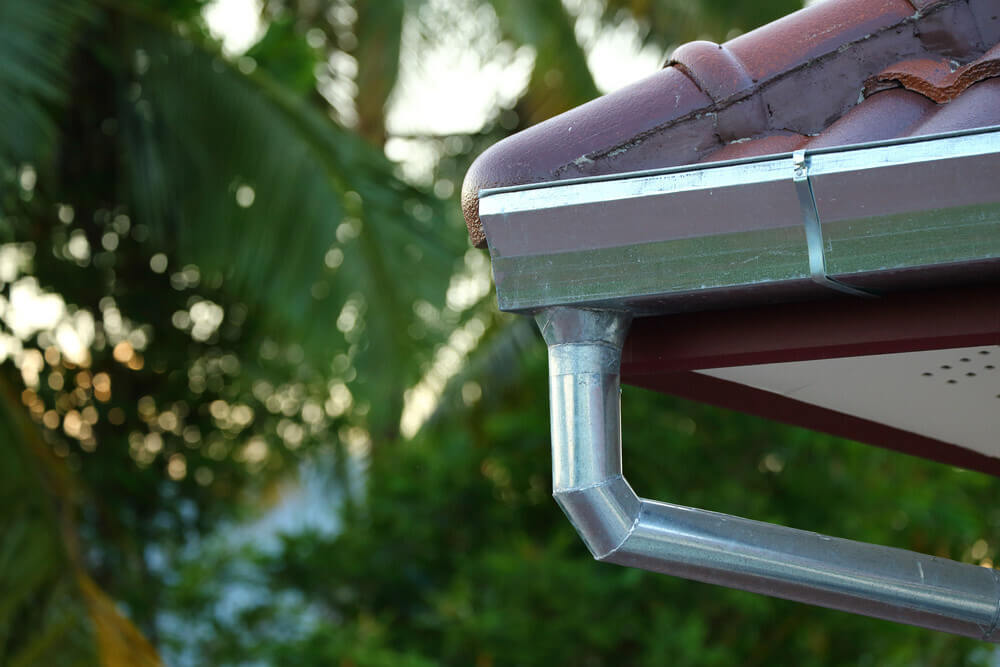 Steel gutters pros and cons