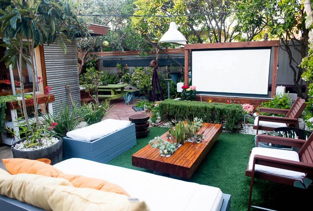 How About Outdoor Screen