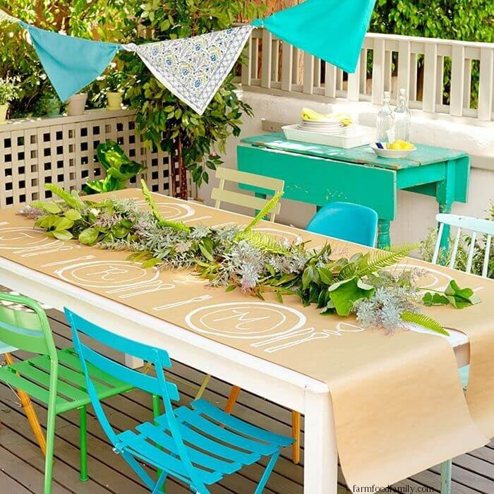 Buntings and decorated tabletops