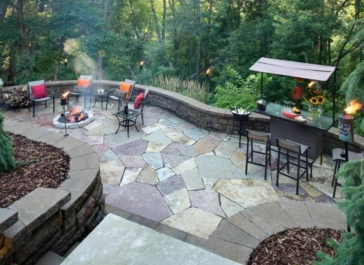 Firepit, pool, and bar