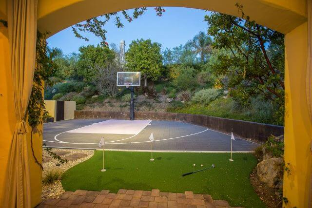 Basketball Court and Golf Area Idea in Your Backyard