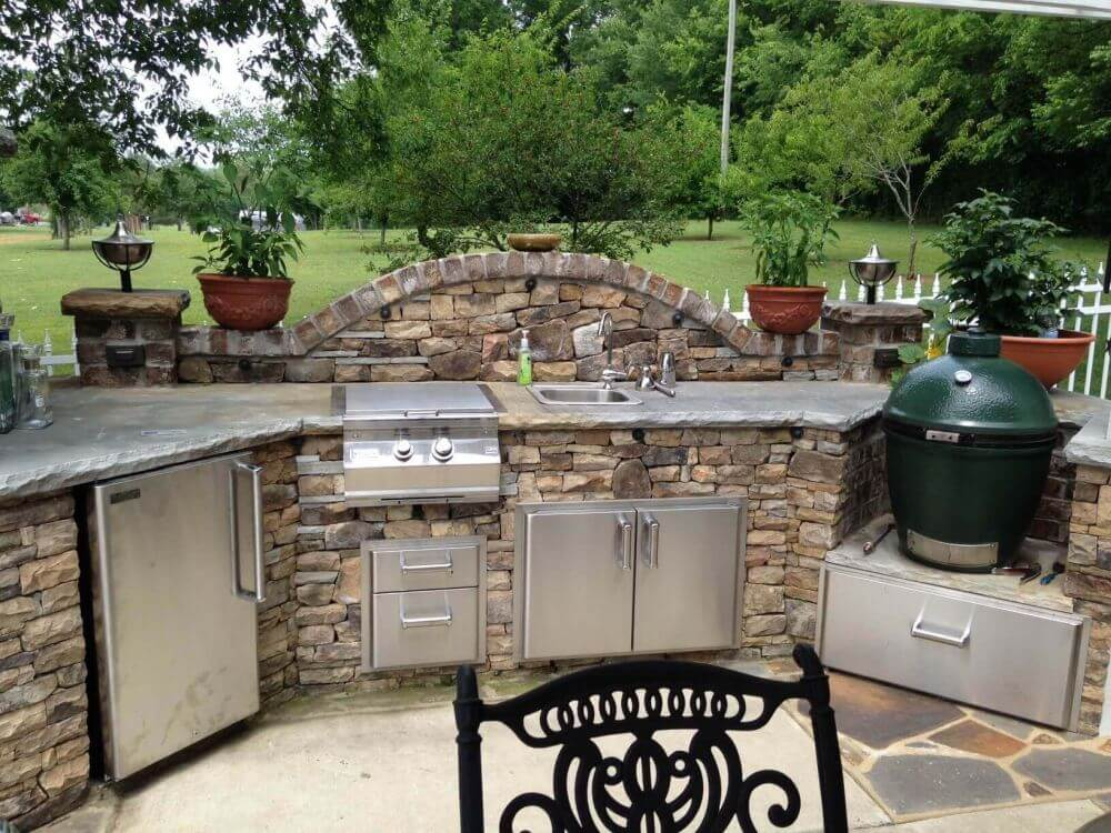 Try Slate and Stone Outdoor Grill Décor