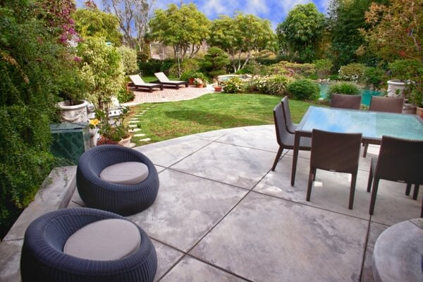 Try Traditional Concrete Patio Design